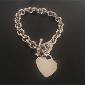 Jewelry - Sterling silver heart toggle bracelet